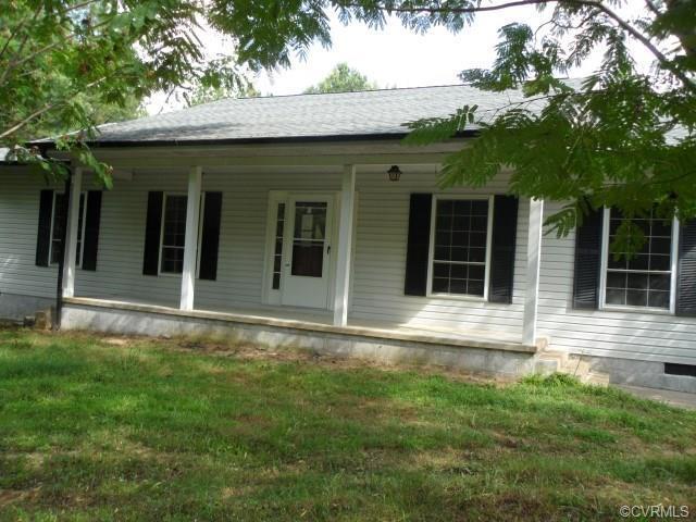 2345 Danieltown Road, Goochland, VA 23063 (MLS #1825905) :: RE/MAX Action Real Estate