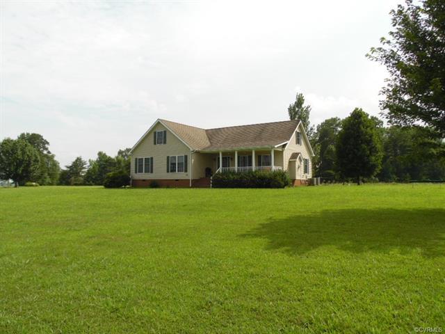 11795 Lunenburg County Rd, Keysville, VA 23947 (#1825918) :: Resh Realty Group