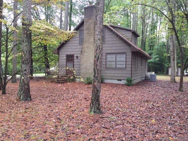 81 Pineview Drive, Hartfield, VA 23071 (#1826287) :: Abbitt Realty Co.