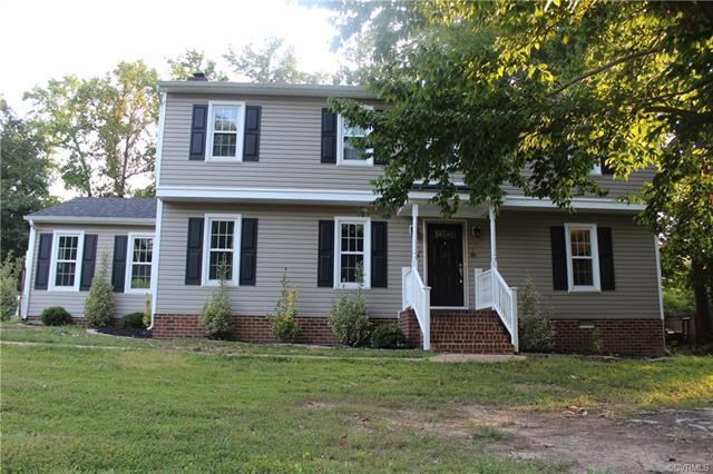 2342 Loch Braemar Drive, Chesterfield, VA 23236 (MLS #1826317) :: Chantel Ray Real Estate