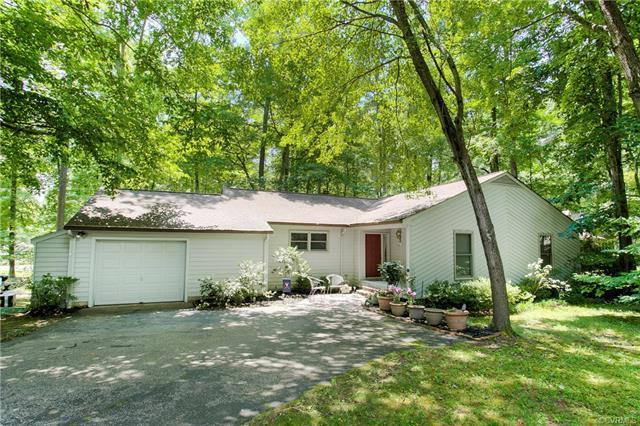 3614 Stoney Ridge Trail, Midlothian, VA 23112 (MLS #1826358) :: Explore Realty Group