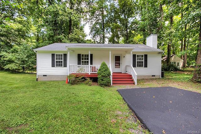 6421 Poplar Road, Quinton, VA 23141 (MLS #1826373) :: Chantel Ray Real Estate
