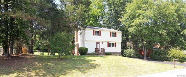 10532 Seacliff Lane, Chesterfield, VA 23236 (MLS #1826956) :: Chantel Ray Real Estate