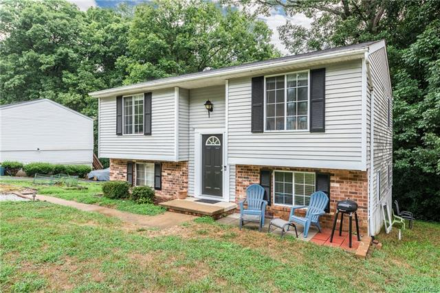 7012 Egan Place, Chesterfield, VA 23832 (MLS #1827150) :: Small & Associates