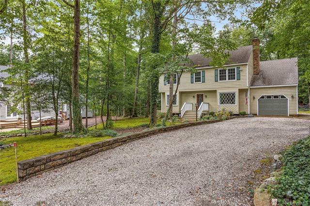 13803 Nuttree Woods Lane, Midlothian, VA 23112 (MLS #1827478) :: RE/MAX Action Real Estate