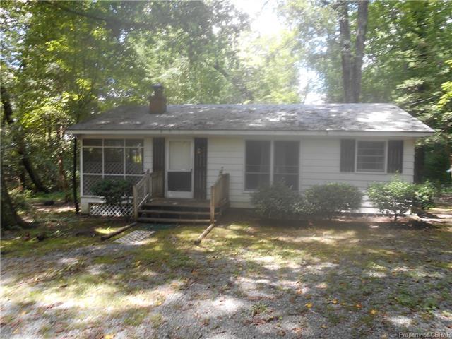 89 Moss Drive, Hartfield, VA 23071 (#1827828) :: Abbitt Realty Co.