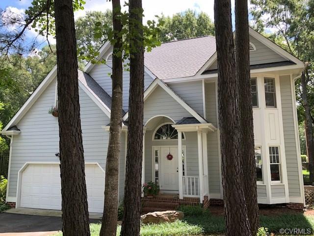 6237 Isleworth Drive, Glen Allen, VA 23059 (MLS #1828038) :: Small & Associates
