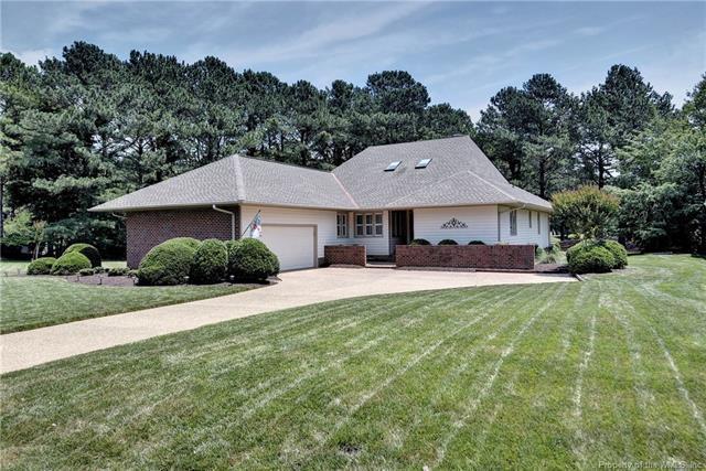 108 Randolphs Green, Williamsburg, VA 23185 (MLS #1828712) :: The RVA Group Realty