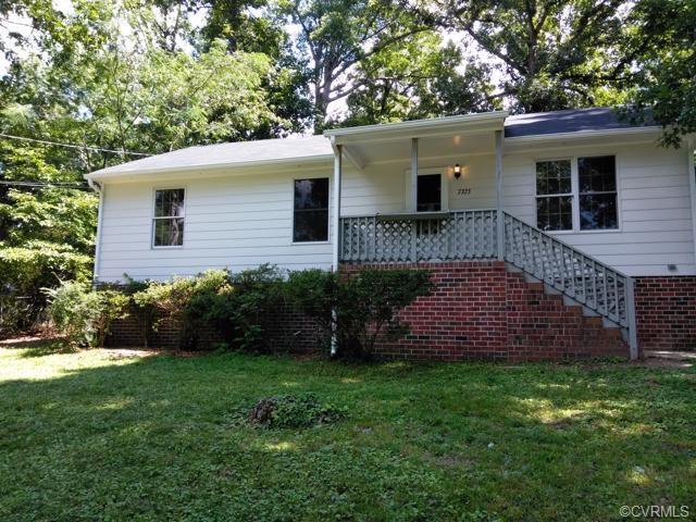7323 Lakeshore Drive, New Kent, VA 23141 (MLS #1831189) :: Chantel Ray Real Estate
