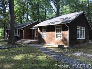 812 Rocky Point Landing, Cobbs Creek, VA 23035 (MLS #1832670) :: Chantel Ray Real Estate