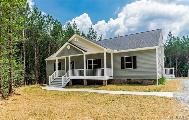 8731 Rock Cedar Road, New Kent, VA 23124 (MLS #1834816) :: The RVA Group Realty