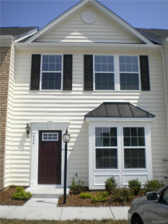 924 Kitty Hamilton Circle, Ashland, VA 23005 (#1836689) :: 757 Realty & 804 Realty