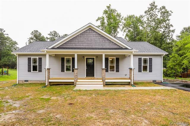 2204 S Kennington Parkway, Aylett, VA 23009 (MLS #1838356) :: Small & Associates