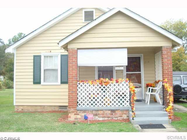 214 Elm Street, Petersburg, VA 23803 (MLS #1839342) :: EXIT First Realty