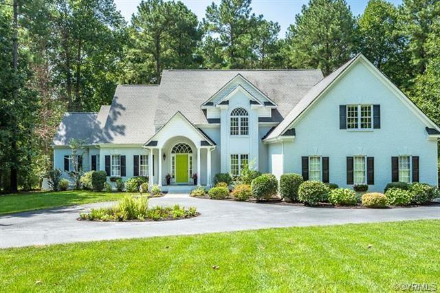 13525 Blue Heron Circle, Chesterfield, VA 23838 (MLS #1839914) :: Chantel Ray Real Estate