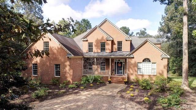 203 Creek Point Circle, Williamsburg, VA 23188 (#1840371) :: Abbitt Realty Co.