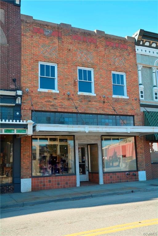 114 S Main Street, Blackstone, VA 23824 (MLS #1900896) :: The RVA Group Realty