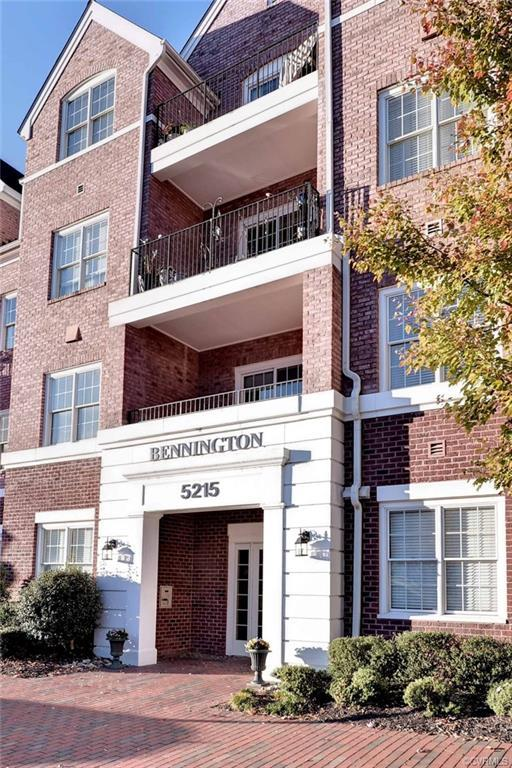5215 Center Street #308, Williamsburg, VA 23188 (MLS #1904836) :: Small & Associates