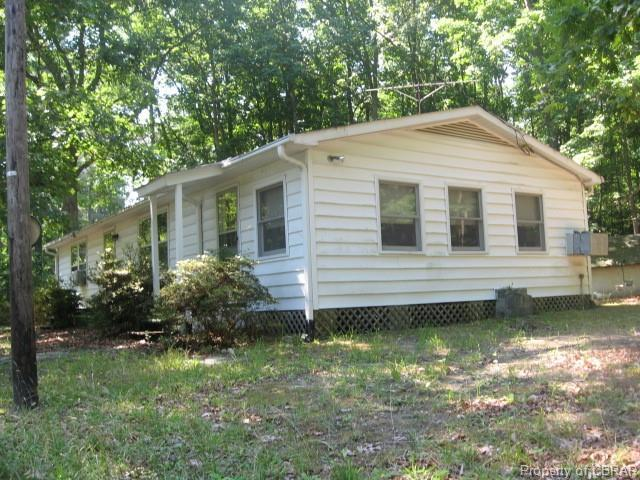133 Pine Cove, Topping, VA 23169 (#1905882) :: Abbitt Realty Co.