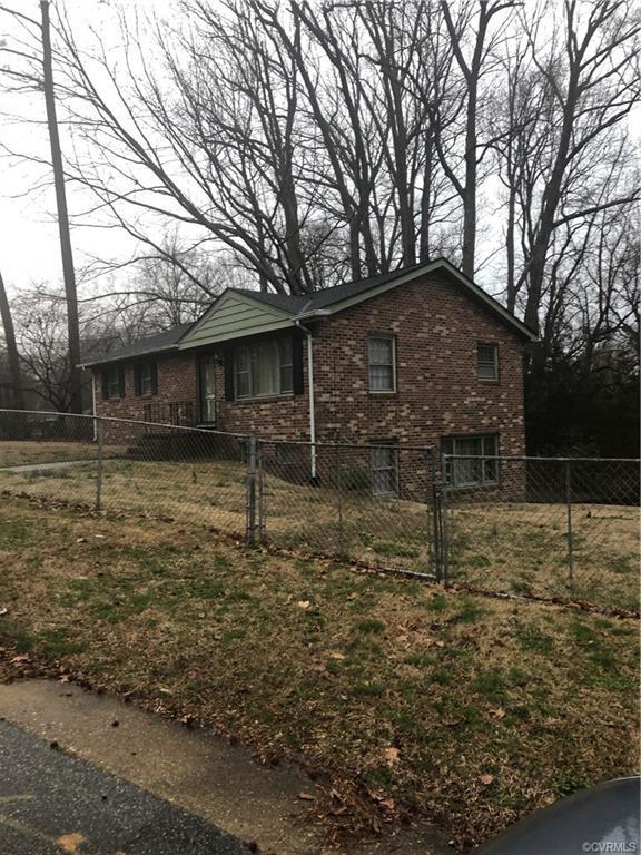 621 Toll Gate Lane, Petersburg, VA 23805 (#1906654) :: 757 Realty & 804 Homes