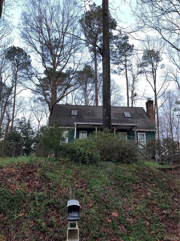 8104 Foxcatcher Court, Chesterfield, VA 23235 (MLS #1908687) :: RE/MAX Action Real Estate