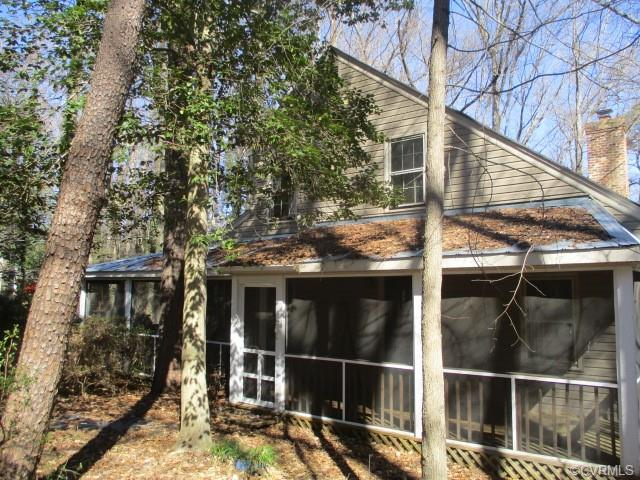 8040 Sykes Road, North Chesterfield, VA 23235 (#1912041) :: 757 Realty & 804 Homes