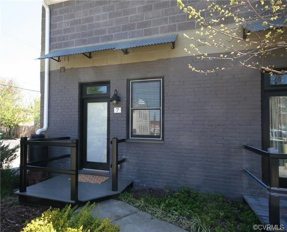 1708 W Cary Street #7, Richmond, VA 23220 (MLS #1914858) :: Small & Associates