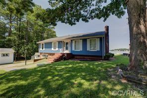 131 Beach Drive, Hartfield, VA 23071 (MLS #1916543) :: The RVA Group Realty