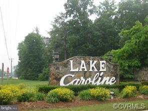 405 Lake Caroline Drive, Ladysmith, VA 22546 (#1919039) :: 757 Realty & 804 Homes