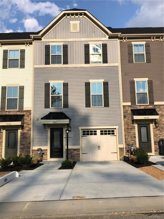 7921 Wistar Woods Court Qe, Richmond, VA 23228 (MLS #1923412) :: The RVA Group Realty