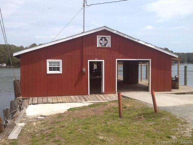 997 Possum Point Road, Port Haywood, VA 23109 (MLS #1926740) :: EXIT First Realty