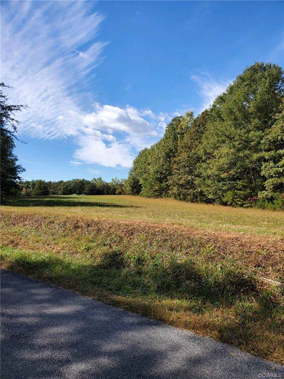 2742 Poorhouse Road, Goochland, VA 23063 (MLS #1934332) :: HergGroup Richmond-Metro