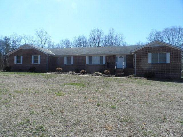 1272 Tuggle Road, Farmville, VA 23901 (MLS #2005126) :: The Redux Group