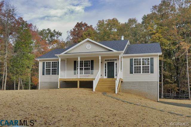 157 Byrd Point Lane, Louisa, VA 23093 (#2005351) :: Abbitt Realty Co.