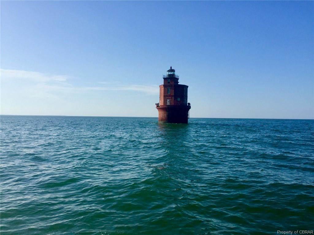 56 Shore Dr - Photo 1