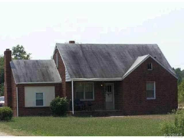 2616 County Drive, Petersburg, VA 23803 (MLS #2010391) :: The Redux Group