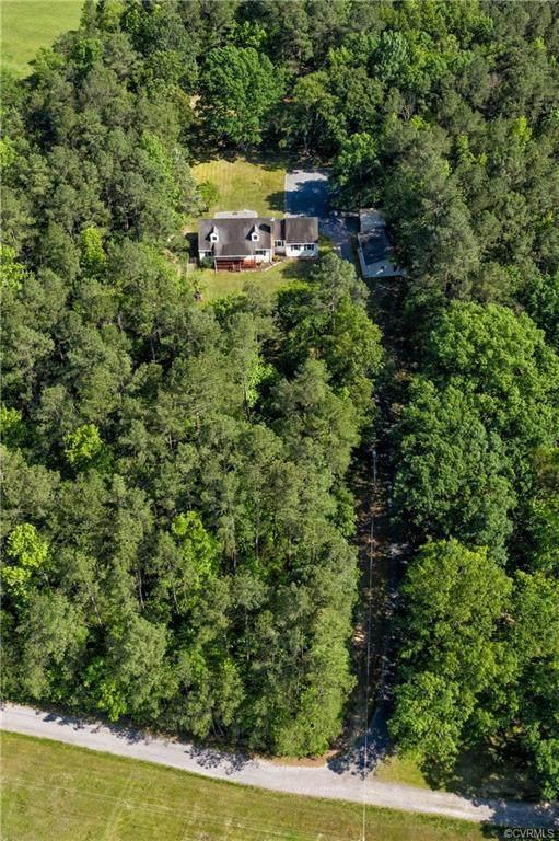 7323 Karissa Farm Drive, Dinwiddie, VA 23833 (#2015635) :: Abbitt Realty Co.