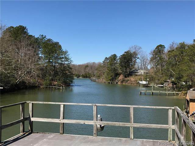 359 N Long Point Lane, Topping, VA 23169 (MLS #2016114) :: EXIT First Realty