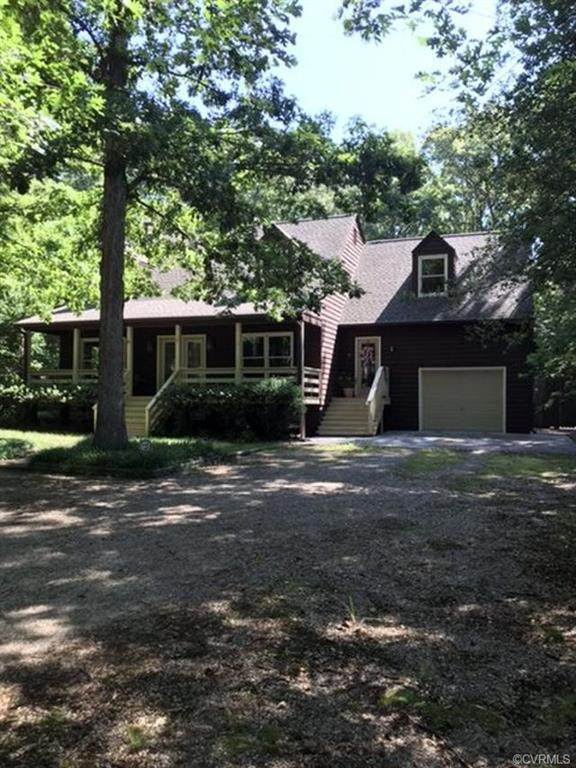 10301 Old Courtney Road, Glen Allen, VA 23060 (MLS #2019687) :: The Redux Group