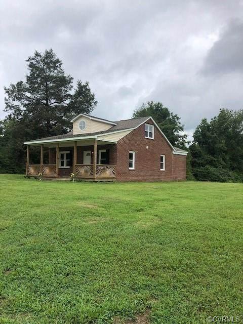 8800 Crumps Mill Road, New Kent, VA 23141 (MLS #2023199) :: The RVA Group Realty