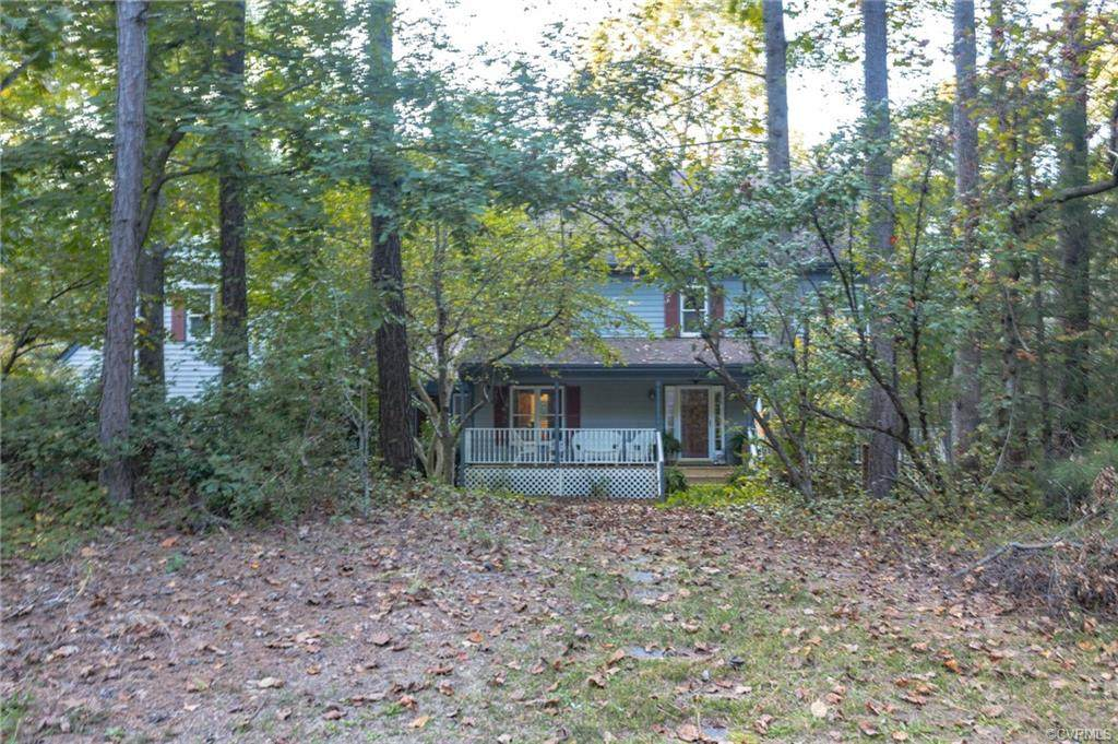 7724 Hunters Ridge Drive - Photo 1