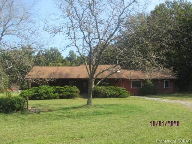 9817 Woods Cross Road, Gloucester, VA 23061 (MLS #2030160) :: Keeton & Co Real Estate