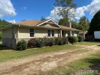 10620 County Drive, Disputanta, VA 23842 (MLS #2030283) :: Treehouse Realty VA