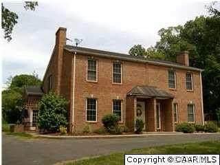 210 Duke St, Gordonsville, VA 22942 (MLS #2033105) :: Treehouse Realty VA