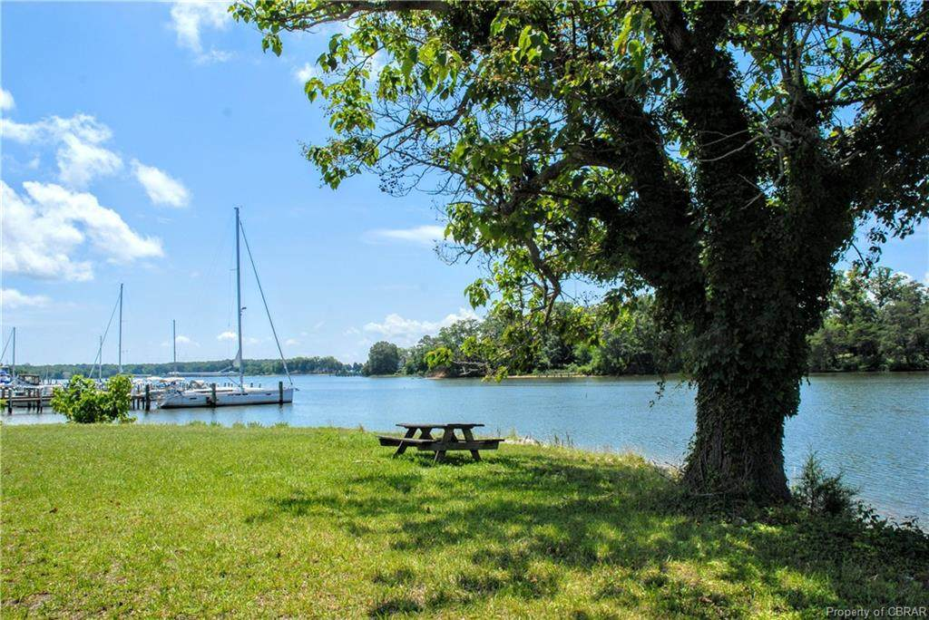 212 Carters Cove Drive - Photo 1