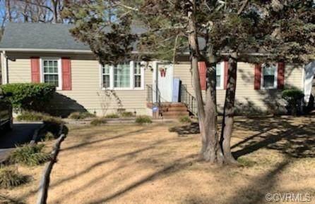 227 Lakewood Drive, Petersburg, VA 23805 (MLS #2100896) :: Treehouse Realty VA