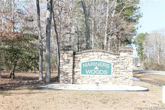 4 Mariners Woods, Hartfield, VA 23071 (#2105589) :: The Bell Tower Real Estate Team
