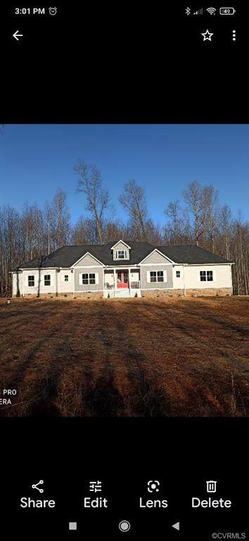 8000 Pembelton Drive, Amelia, VA 23002 (MLS #2113925) :: Village Concepts Realty Group