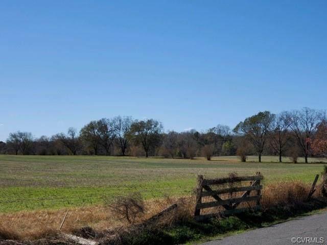 50 Northlake, Hartfield, VA 23071 (MLS #2117974) :: Blake and Ali Poore Team
