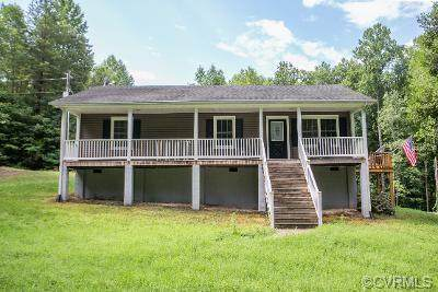 10750 Clementown Road, Amelia, VA 23002 (MLS #2121124) :: EXIT First Realty